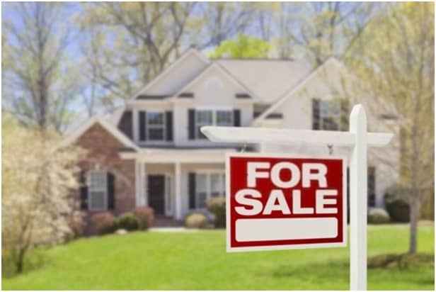 Who is a Listing Agent