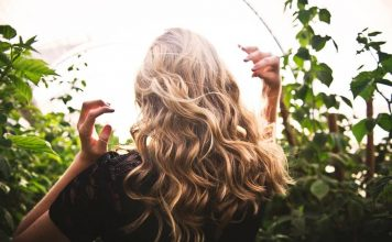 How To Use Curling Wand