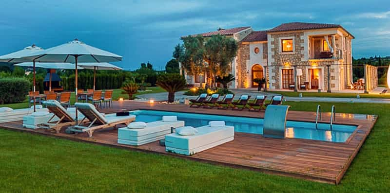 Large holiday villas in Spain