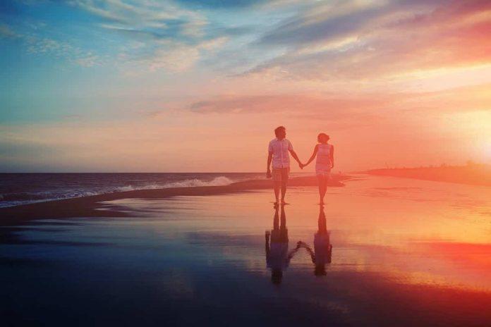 couple honeymoon in goa